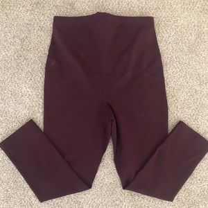 Old Navy Active Maternity Crop Legging XS maroon